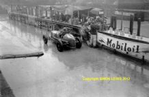 "ERA R6B Ian Connell pit stop  1937 Isle of Man. 10x7"" photo"